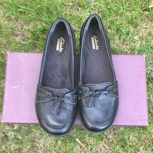 Clark's Ashland Bubble Black Leather Loafes